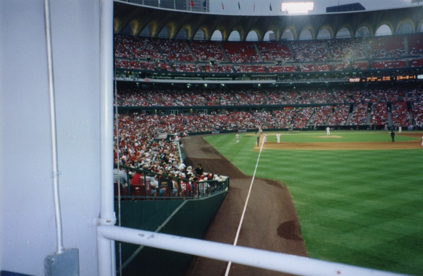 11_old_busch_stadium_right_field_corner