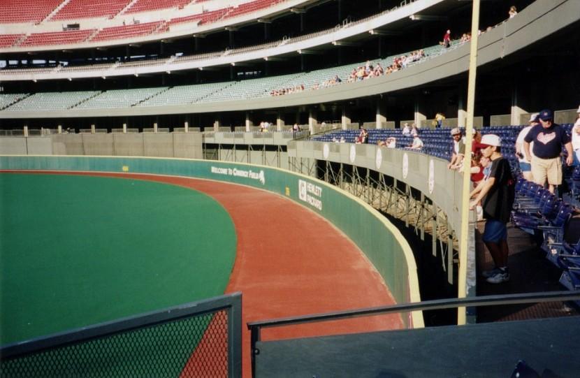 5_riverfront_stadium_right_field_corner