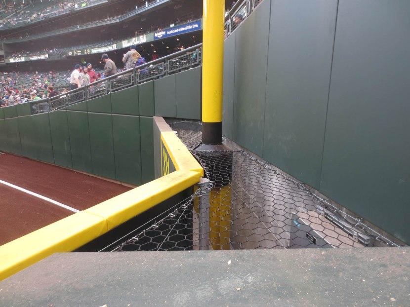 17_netting_surrounding_foul_pole
