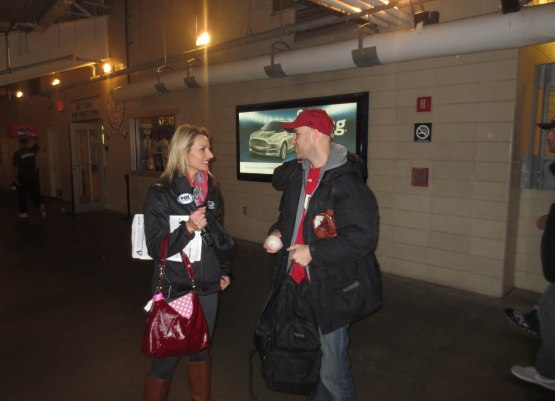 18_zack_and_jody_jackson_in_the_concourse