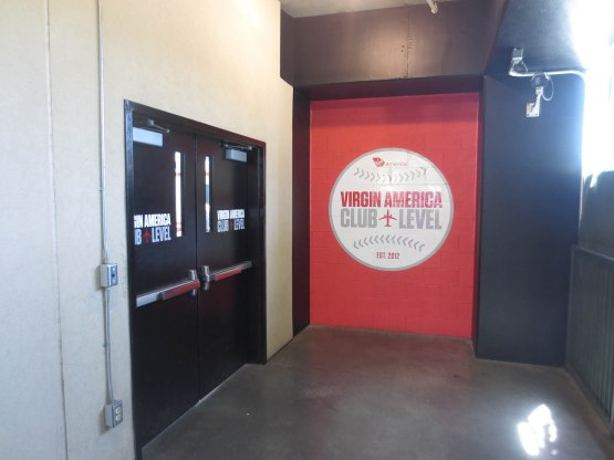 29_entrance_to_the_virgin_america_club_level