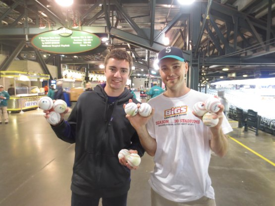 33_max_and_zack_with_baseballs