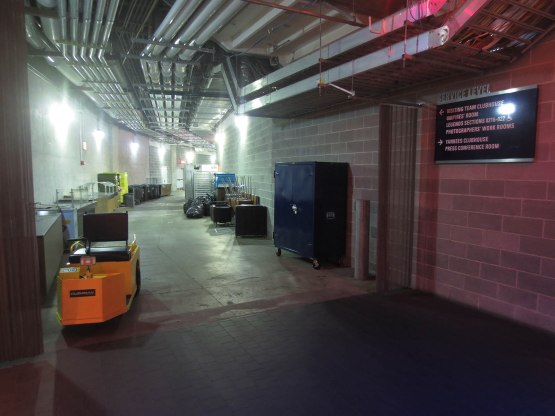 51_yankee_stadium_service_level_concourse