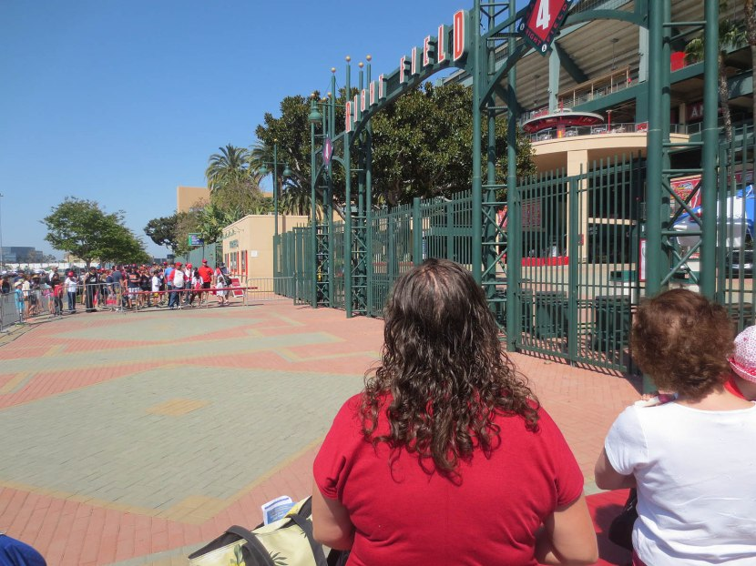 6_angel_stadium_right_field_gate