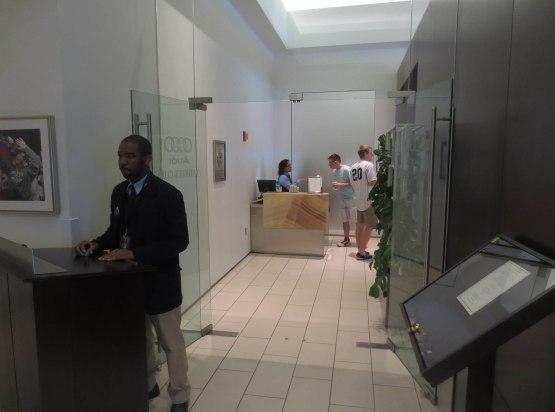 13_audi_club_entrance