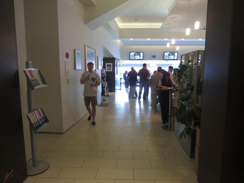 14_audi_club_entrance