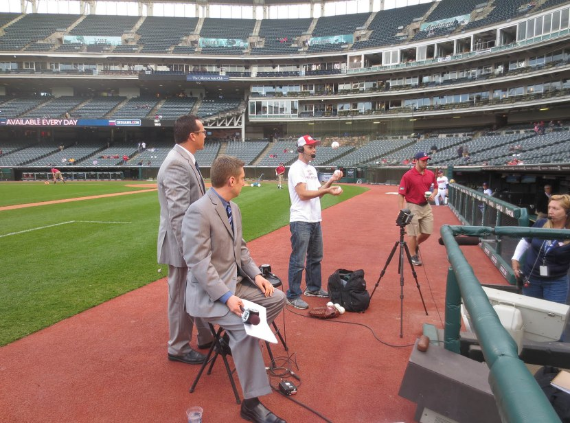 17_zack_jugglng_during_mlb_network_interview