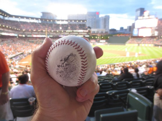 20_ball6630_adam_jones_foul_ball