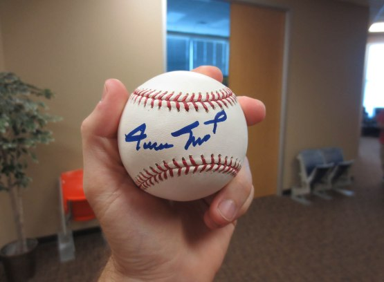 20_willie_mays_autograph_from_scott