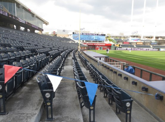 2_seats_blocked_off_royals_suck
