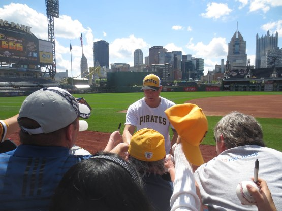 9_russell_martin_signing_05_08_13