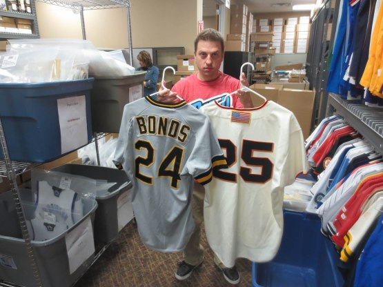 9_scott_with_barry_bonds_jerseys