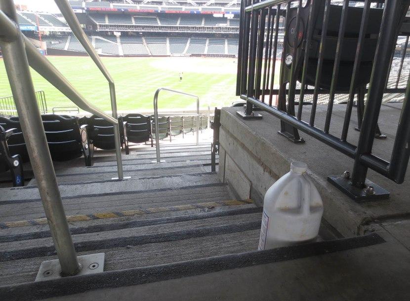 10_jug_on_staircase
