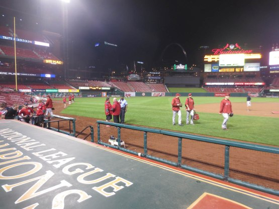 17_diamondbacks_relievers_walking_in_from_the_bullpen_06_05_13