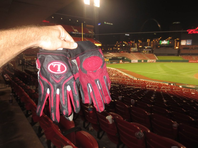 20_both_batting_gloves_06_05_13