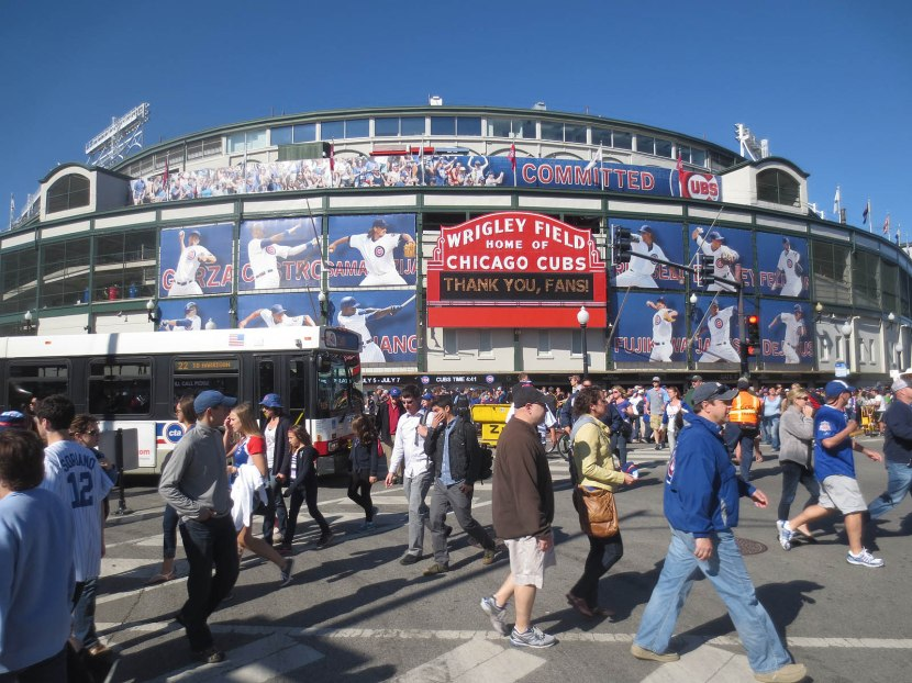 33_fans_outside_wrigley_06_07_13