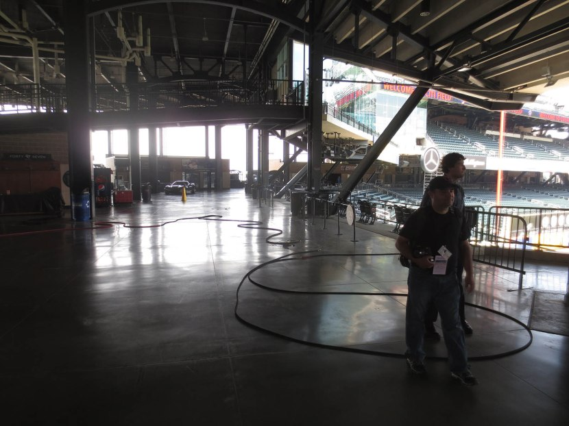 7_hose_in_concourse