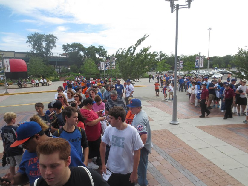 2_line_outside_citi_field_07_02_13