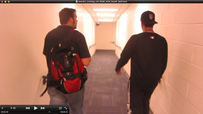 41_heath_and_clubby_in_hallway