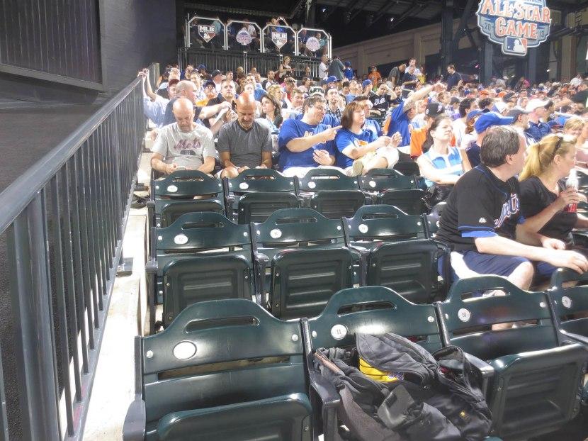 43_empty_seats_behind_me