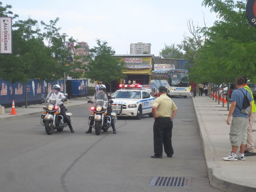 4_police_escort_for_national_league_bus