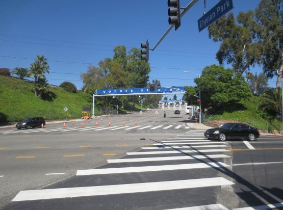 12_dodger_stadium_entrance_08_09_13