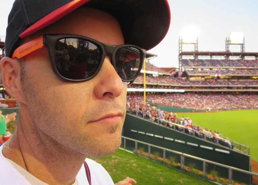 13_hd_zack_wearing_sunglasses_to_avoid_being_recognized_by_the_braves