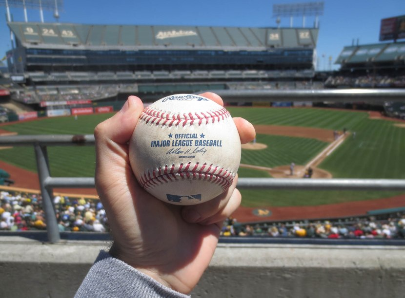 14_ball6948_marc_krauss_foul_ball