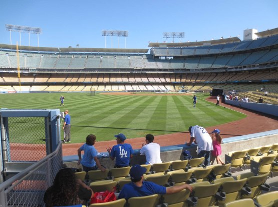 18_dodgers_not_taking_bp