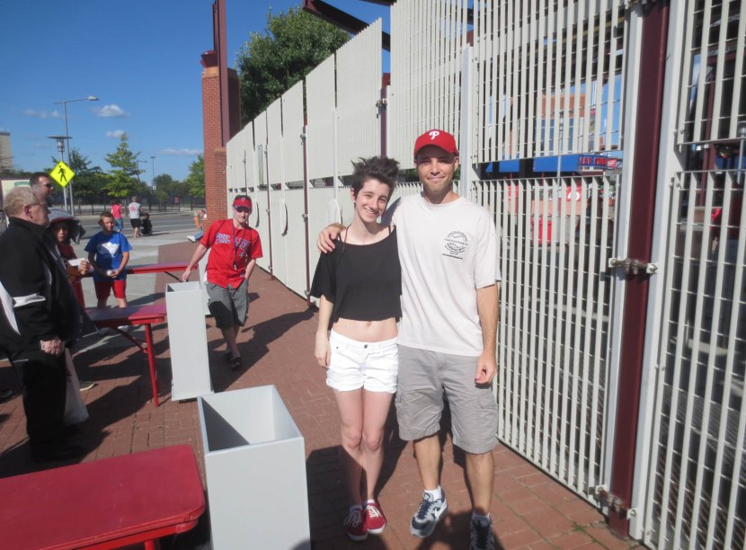 1_hayley_zack_outside_stadium_08_04_13