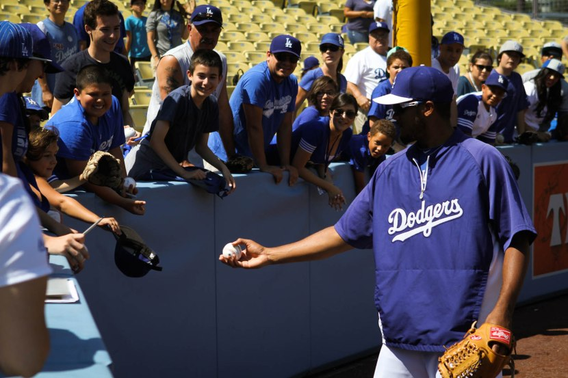 21_kenley_jansen_giving_ball_to_girl