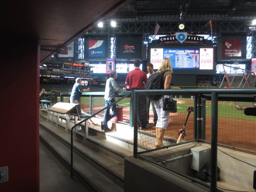 26_entering_the_dugout_08_13_13