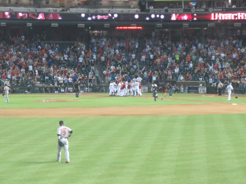 61_diamondbacks_celebrating_win_on_paul_goldschmidt_walkoff_homer