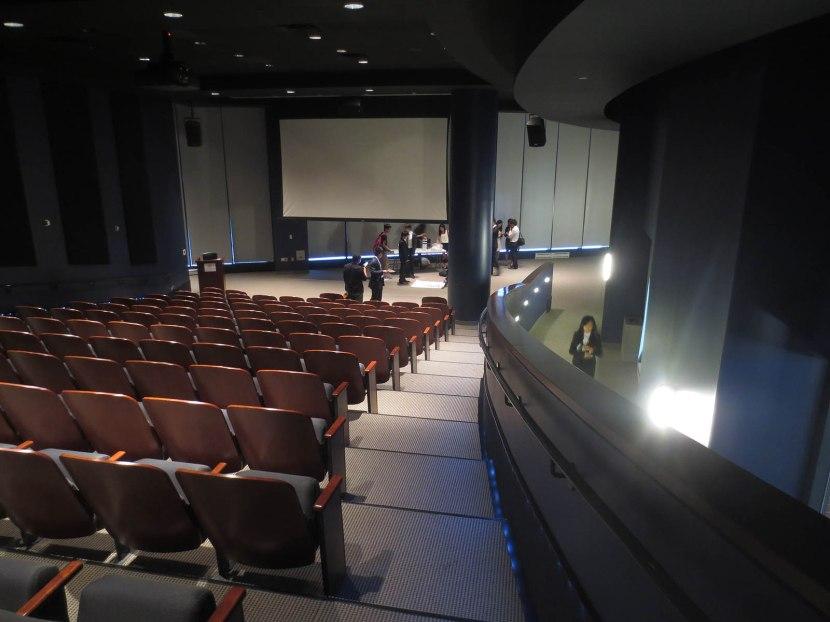 9_inside_the_auditorium