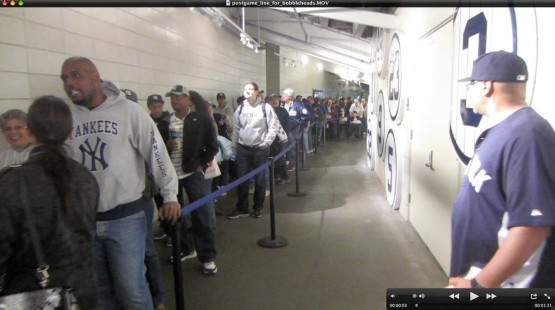20_postgame_line_for_mariano_rivera_bobbleheads