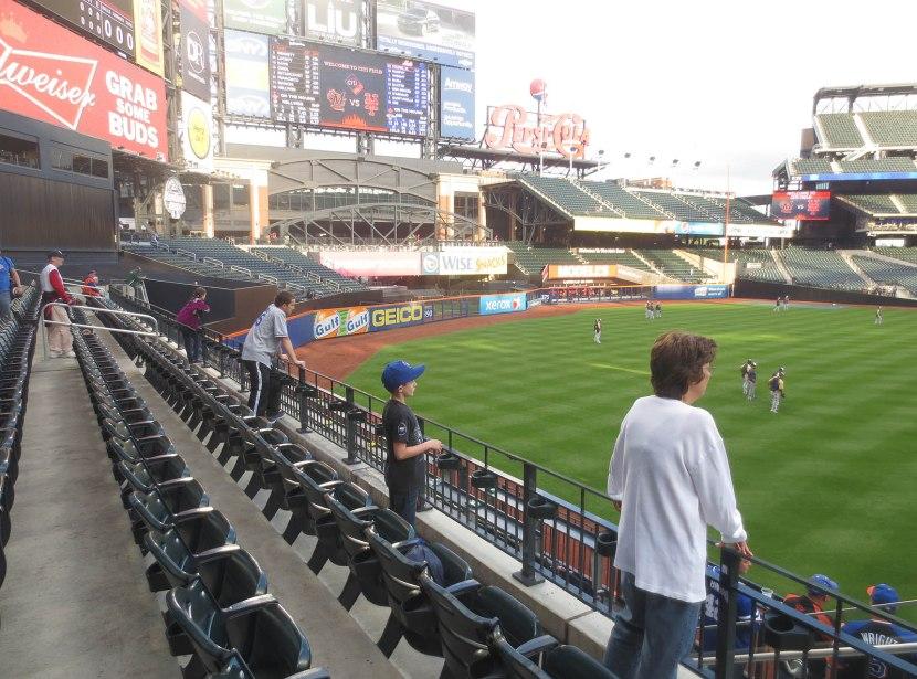 9_left_field_during_batting_practice_09_26_13