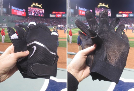32_batting_gloves