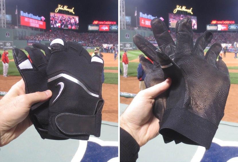 32_batting_gloves