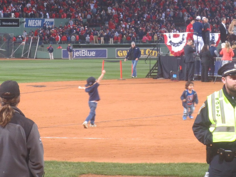33_kids_playing_on_the_infield