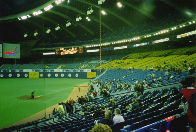 8_olympic_stadium_1B_side