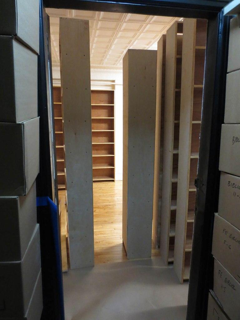26_fifth_floor_new_shelves