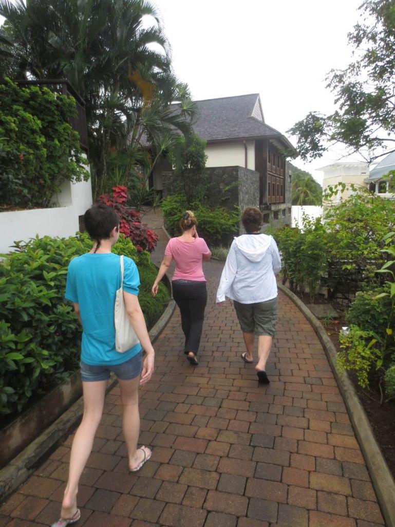 356_walking_to_breakfast