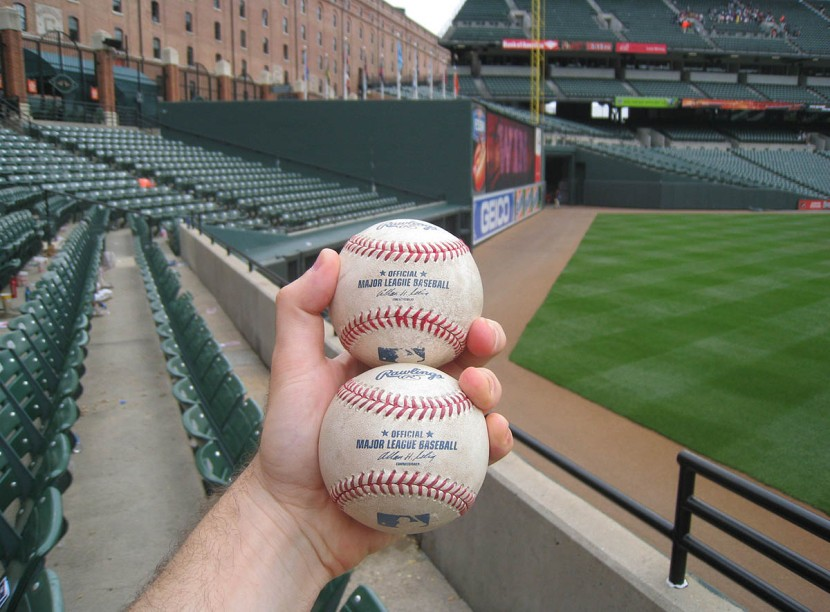25_two_home_run_balls