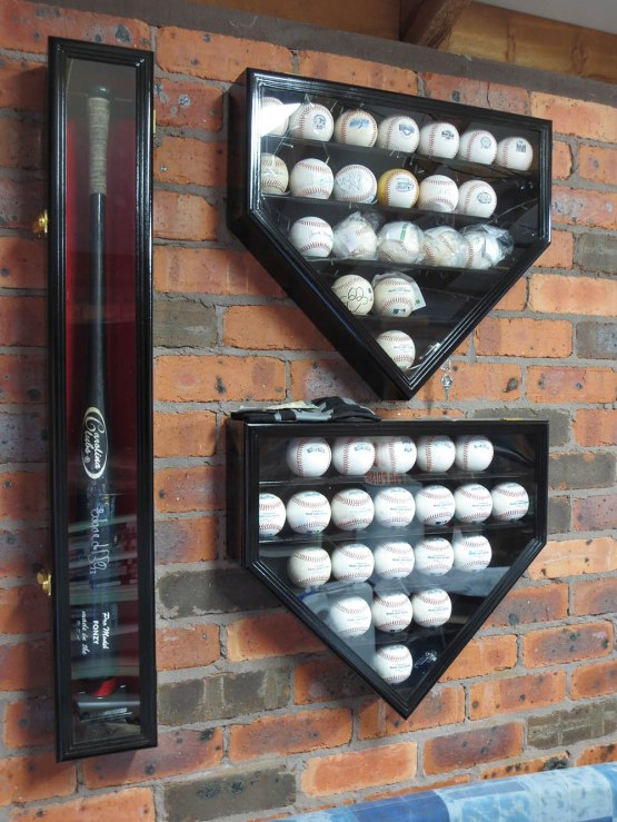 106_bat_and_balls_in_display_cases