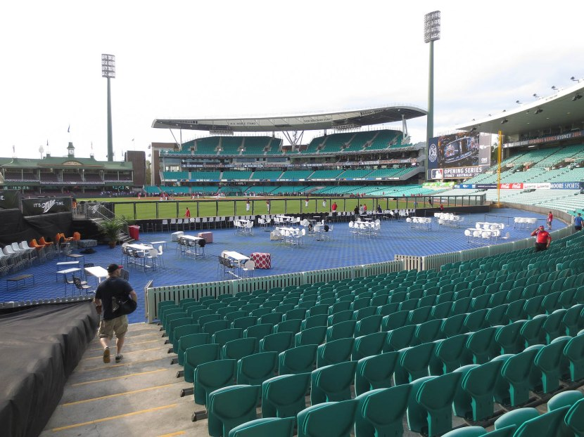 29_entering_the_seats_at_the_sydney_cricket_ground