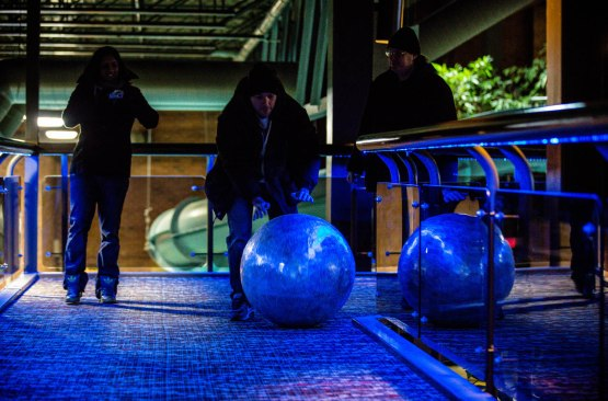 5_ds_zack_rolling_ball_toward_elevators
