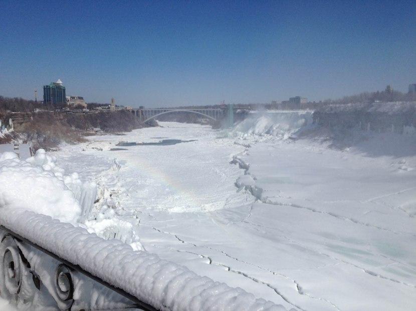69_frozen_river_at_niagara_falls