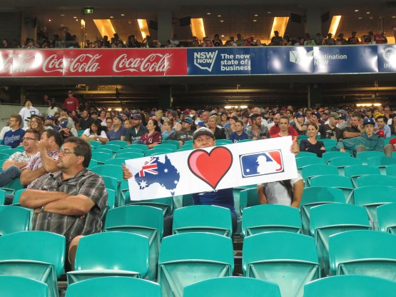 84_australian_fan_with_a_great_sign