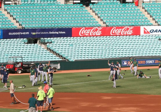 253_team_australia_warming_up