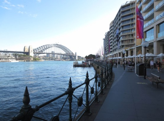 376_walkway_to_the_opera_house